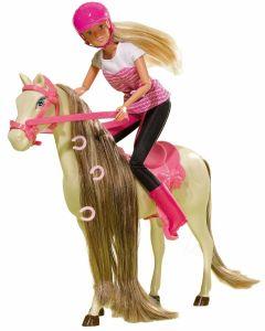 Steffi Love ridesett