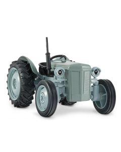 Gråtass traktor - 1:32