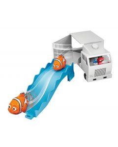 Disney Finding Dory Swigglefish Playset - Marlin