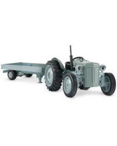 Gråtass traktor med henger - skala 1:32